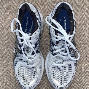 EUC Asics Gel Kayano 17 Athletic Shoes Size 8.